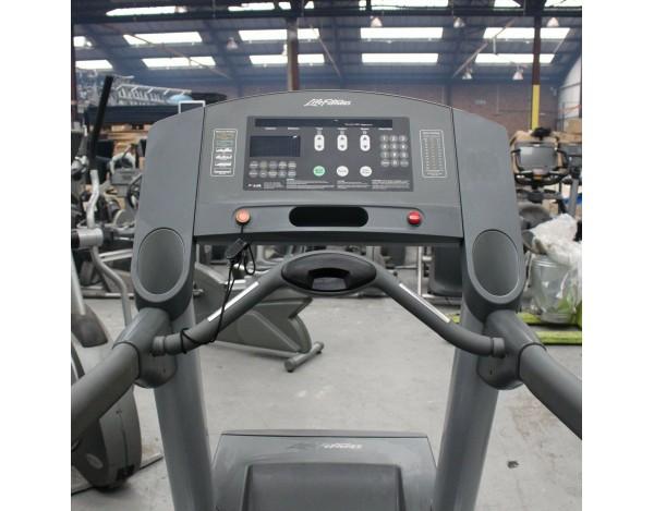 Life Fitness Tapis de course bouchon gris en plastique 93ti 95ti 97ti 93 95 97 frame cover